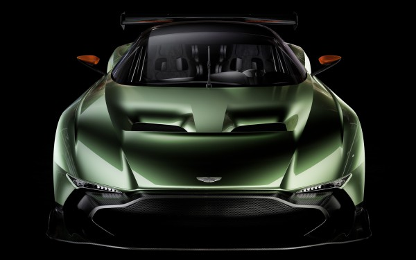 Aston-Martin-Vulcan-12.jpg
