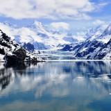 glaciar-lake-in-the-mountains-wallpaper-2880x1620