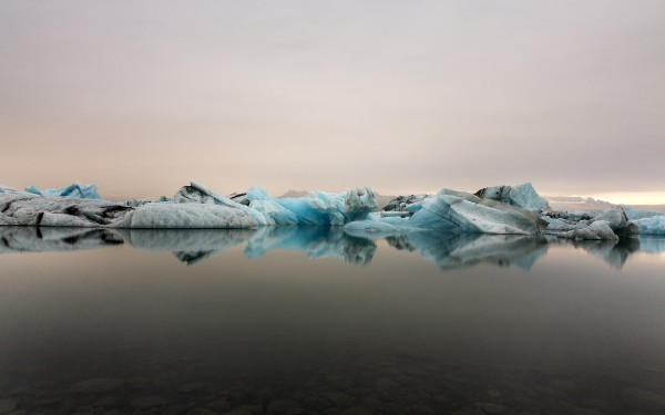 glacierlagoon wallpaper 2880x1800