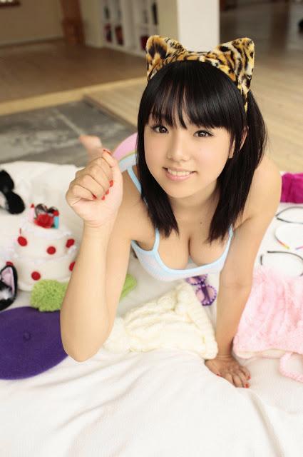 AiShinozaki_01_04_01.jpg